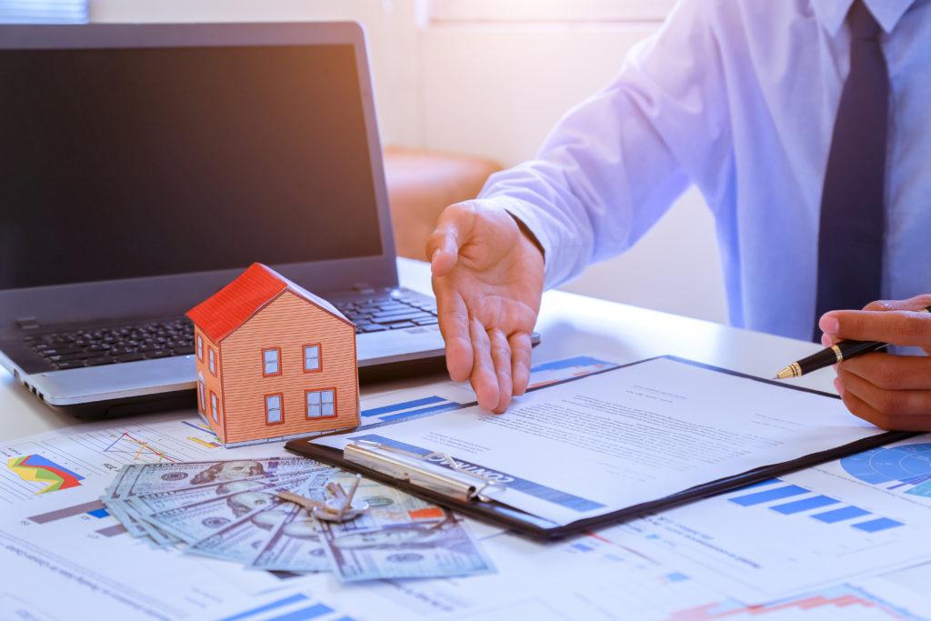 La diversificación de acuerdo con Rodrigo Besoy Sánchez puede permitir la gestión de riesgos en el mercado inmobiliario.