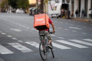 Repartidor de Rappi en bici